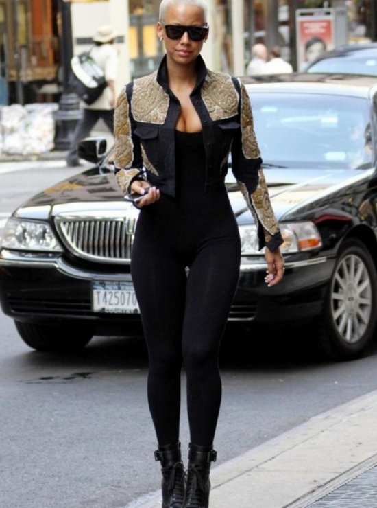 ***RESTRICTIONS APPLY***EXCLUSIVE** Amber Rose shopping at Barney's in New York in a figure-hugging outfit